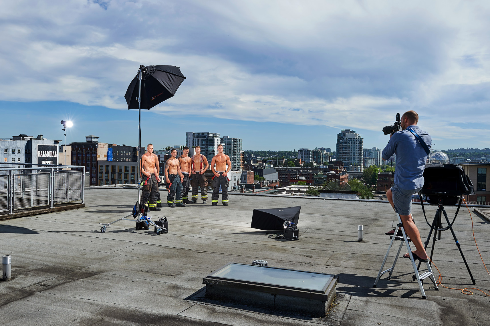 2017-Vancouver-BTS-Photographer-ErichSaide-Behindthescenes-Firefighters-Calendar-Rooftop