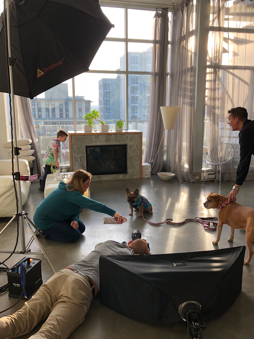 2017-Vancouver-BTS-Photographer-ErichSaide-Behindthescenes-RCPets-Family-Frenchie