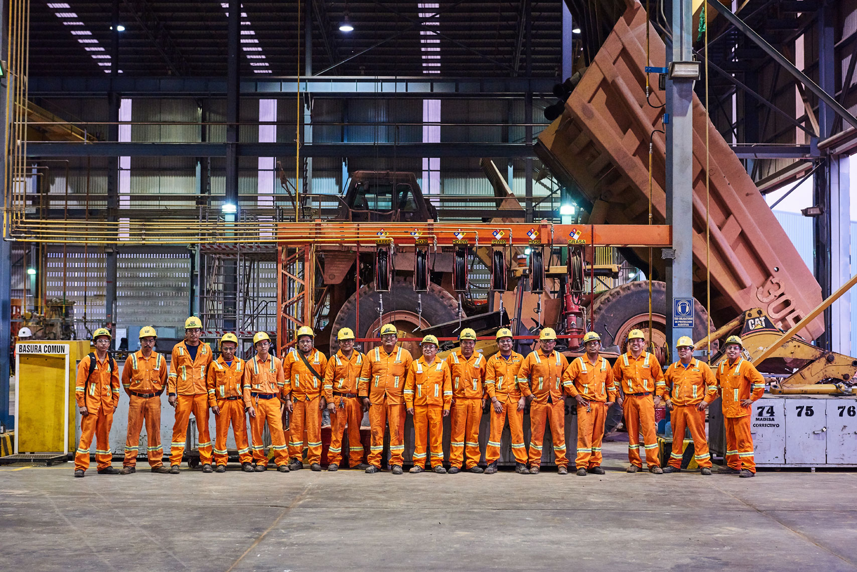 2017-Vancouver-Corporate-Photographer-ErichSaide-Mining-Leagold-Workshop-Group