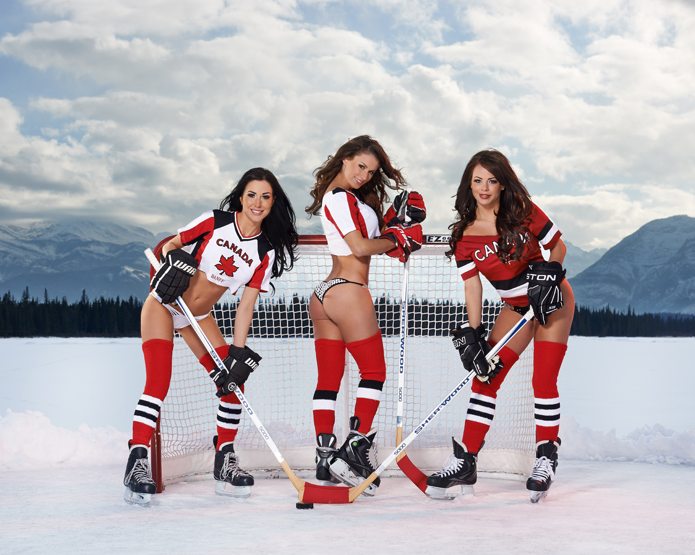 2017-Vancouver-SwimsuitandCalendar-Photographer-ErichSaide-Calender-SportsIllustrated-Banff-Hockey