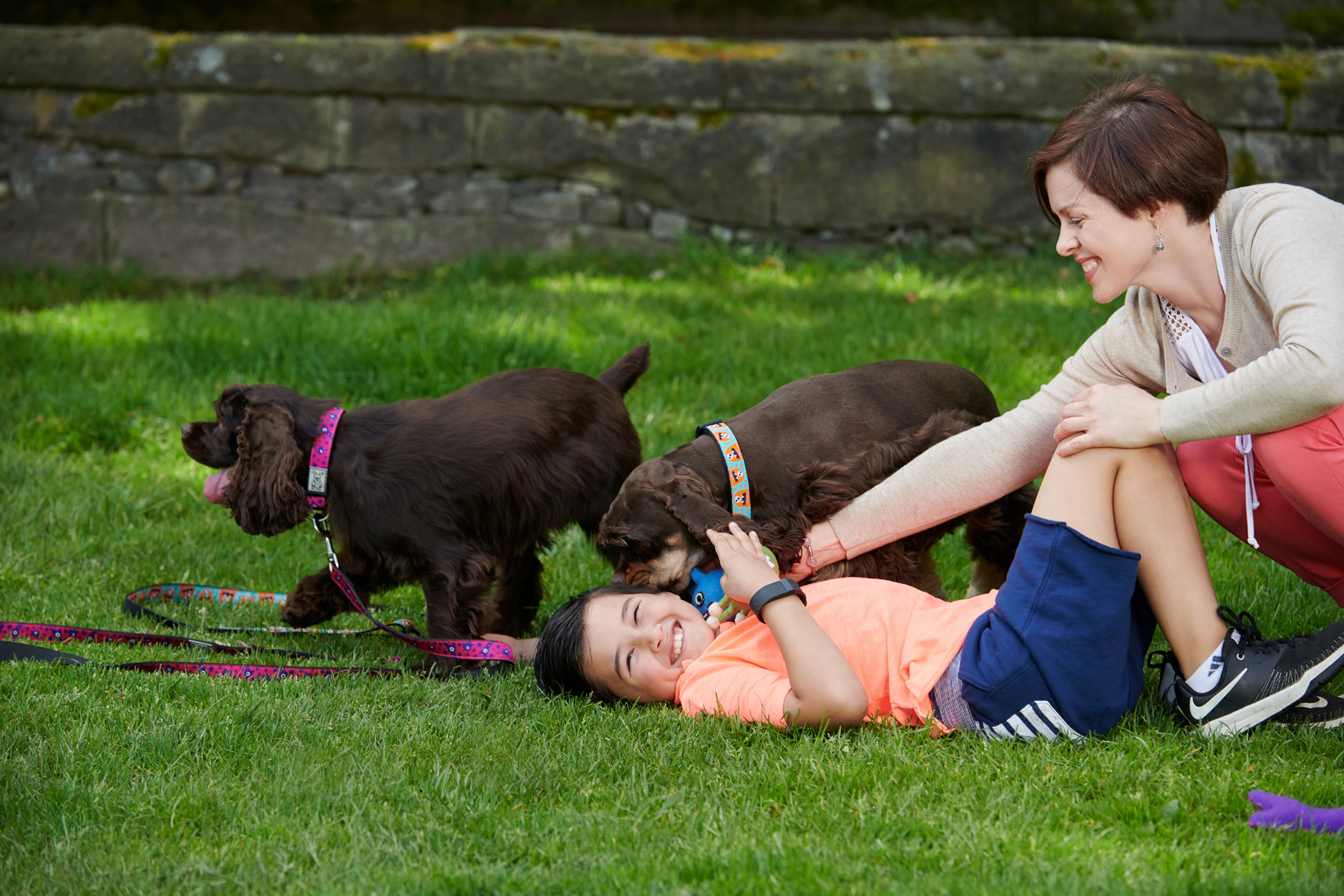 2018-Vancouver-Lifestyle-Photographer-ErichSaide-Advertising-RCPets-Summer-Playing