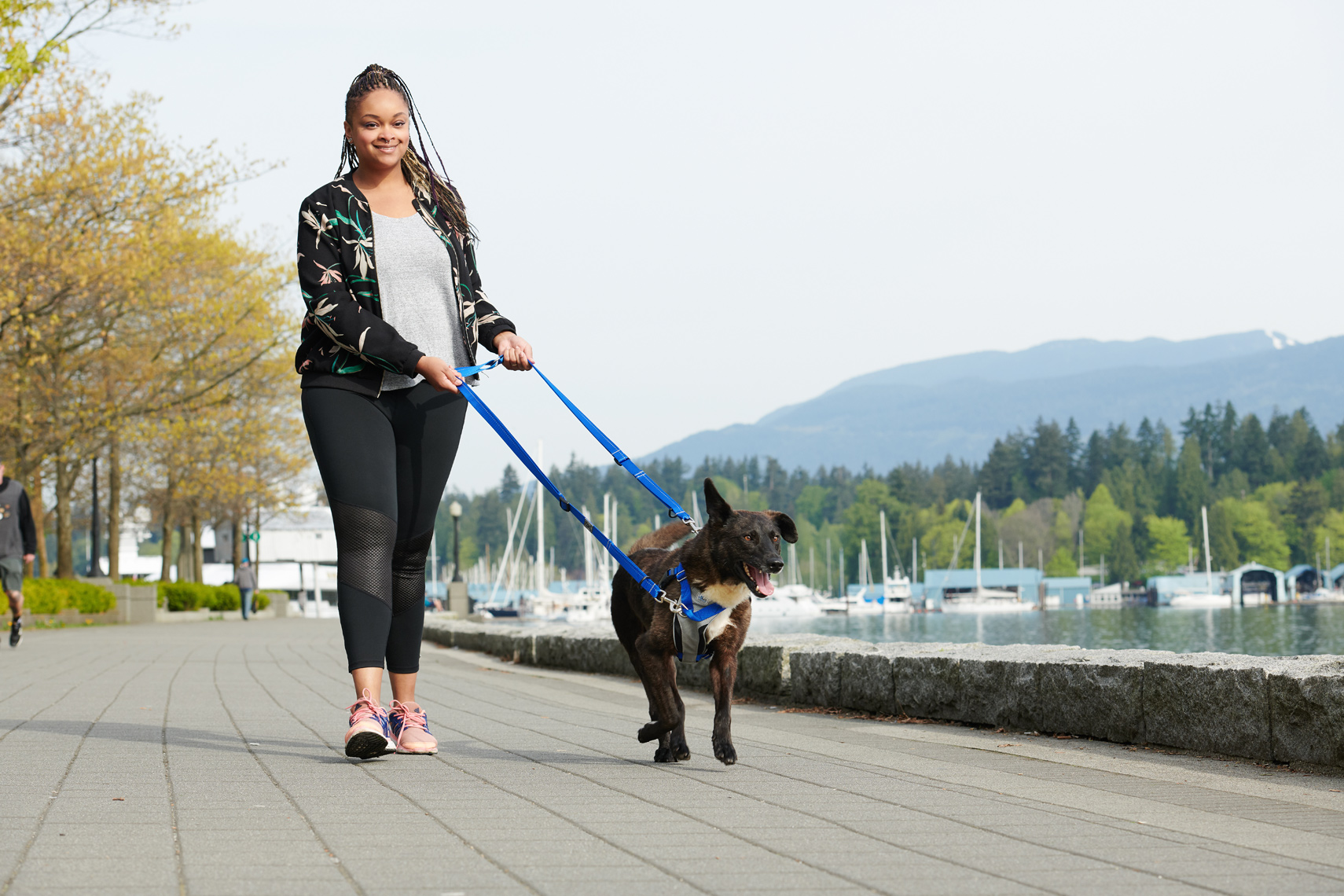 2018-Vancouver-Lifestyle-Photographer-ErichSaide-Advertising-RCPets-Summer-Walking