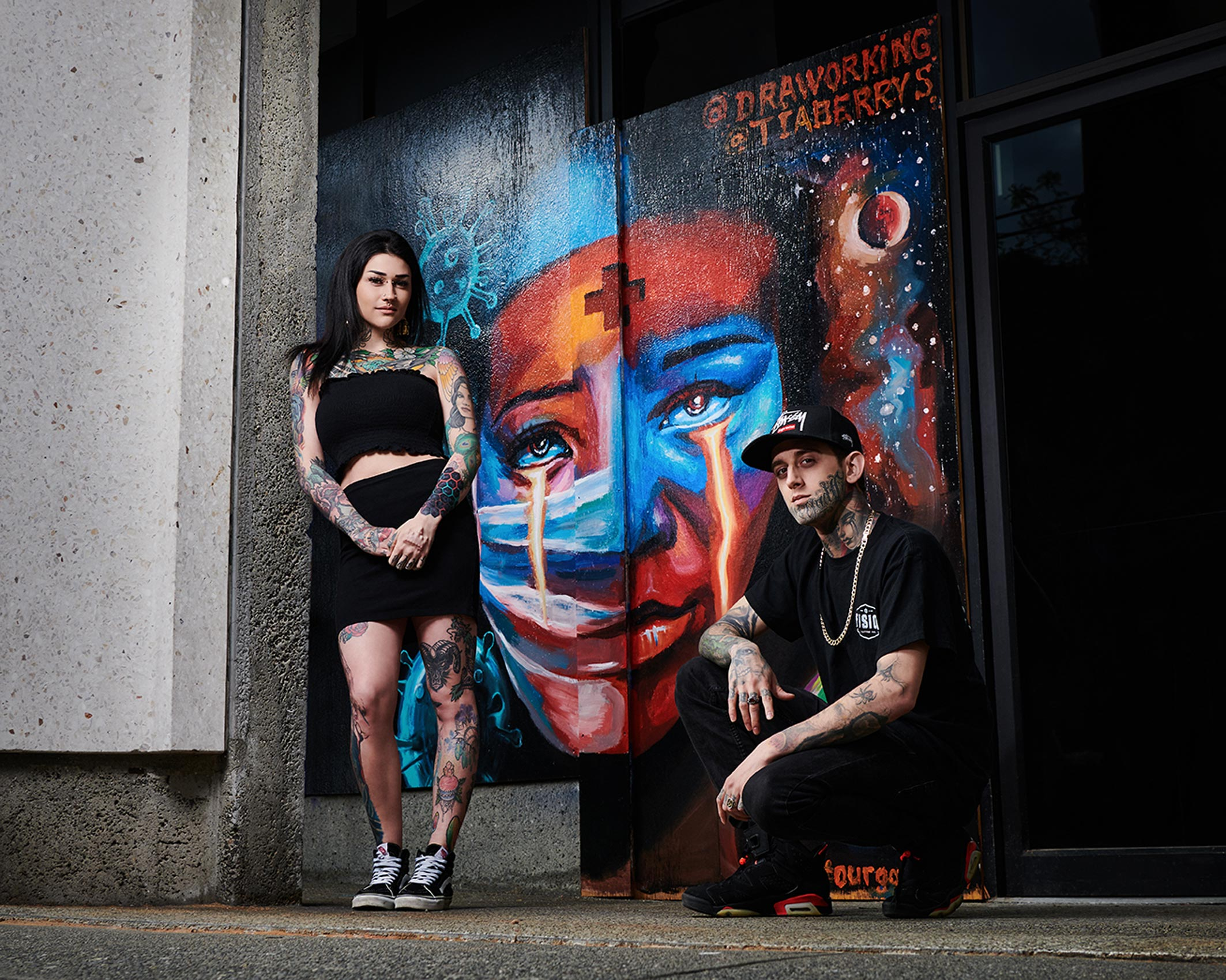 2020-Pandemic-Murals-of-Gratitude-Gastown-Vancouver-Art-Personal-Project-Erich-Saide-Photographer-Artists-Tia-Berry-Andrei-Draworking-Portrait