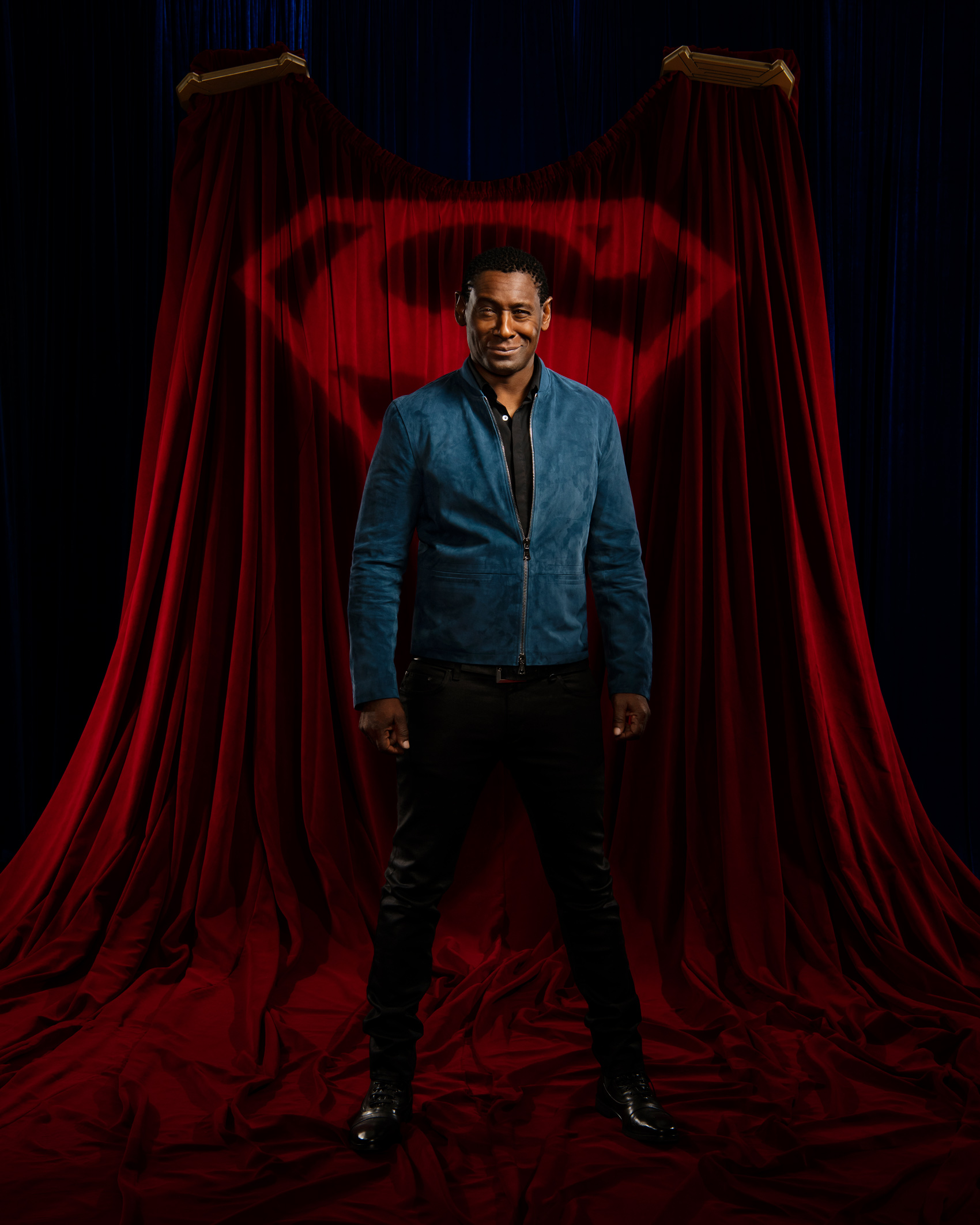 2020-Vancouver-Celebrity-Photographer-ErichSaide-Supergirl-DavidHarewood-WarnerBros